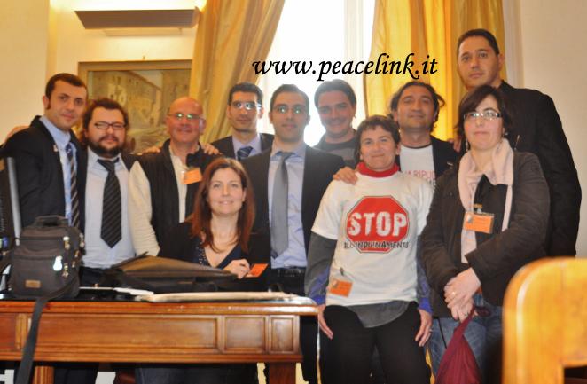 I parlamentari del movimento 5 stelle con la delegazione for Parlamentari 5 stelle elenco