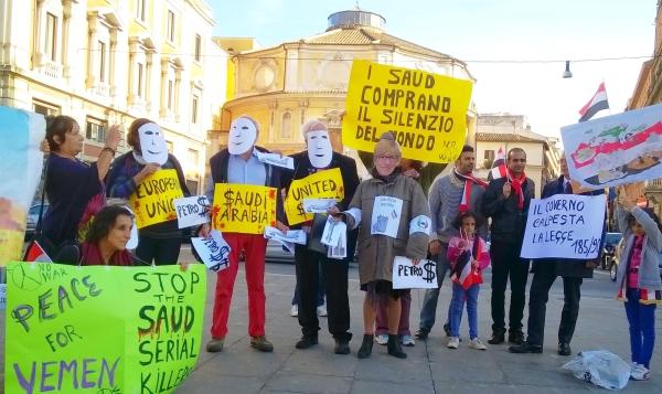 Presidio a Roma davanti al Ministero della Difesa il 12 ottobre 2016.