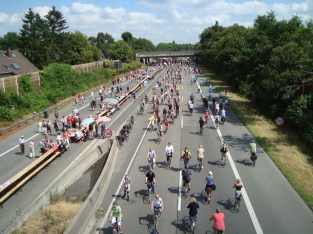 Pista ciclabile, tra Dortmund e Duisburg (RUHR, Germania)